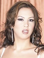 Reina Leone