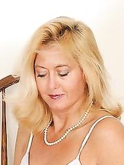 Rheina shine aka tanhee taylor hot mom 9